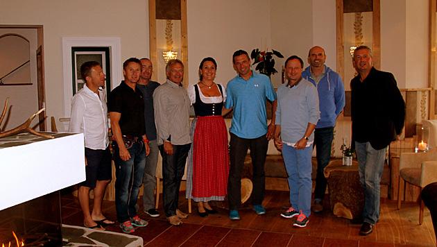 Die Promis geben sich hier die Klinke in die Hand: unter anderem Hans Pum und Toni Giger. (Bild: Landhotel Eichingerbauer)