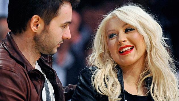 Christina Aguilera und ihr Verlobter Matthew Rutler freuen sich über die Geburt ihrer Tochter. (Bild: EPA/Paul Buck)