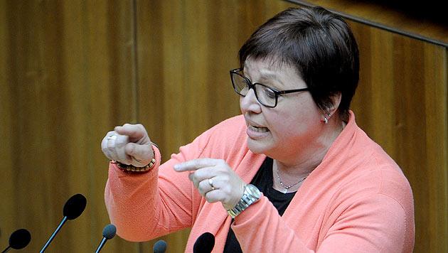 Sabine Oberhauser gilt durch ihre offene Art als gute Verkäuferin ihrer Politik. (Bild: APA/Roland Schlager)