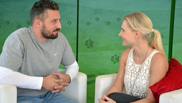 """Murathan Muslu im """"Krone""""-Interview mit Anna Richter-Trummer (Bild: Malena Brenek)"""