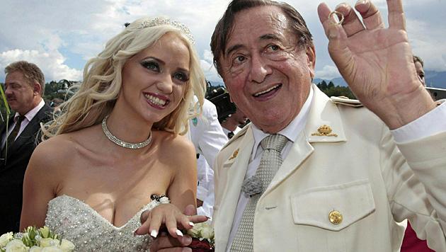 """Eines ist schon jetzt klar: Richard Lugners Hochzeit mit """"Spatzi"""" wird pompös werden. (Bild: APA/EPA/GERT EGGENBERGER)"""