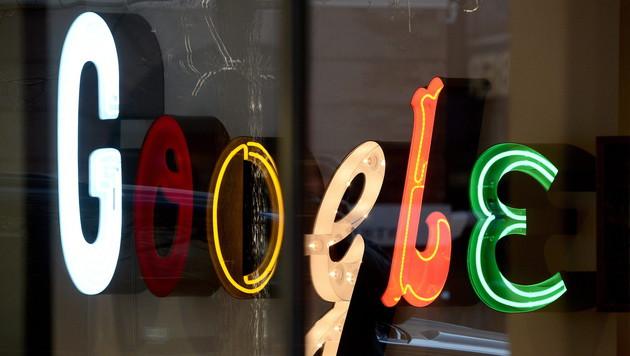 Google wird Alphabet und erntet Spott aus Redmond (Bild: APA/EPA/ANDREW GOMBERT)