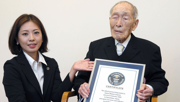 Japaner mit 111 Jahren ältester Mann der Welt (Bild: AP)