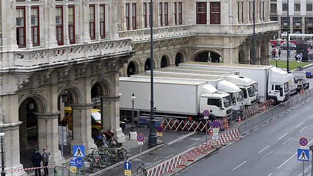"""Vorbereitungen zum """"Mission: Impossible 5""""-Dreh in Wien (Bild: APA/Georg Hochmuth)"""