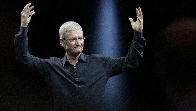Apple-Boss Cook distanziert sich vom Datensammeln (Bild: AP)