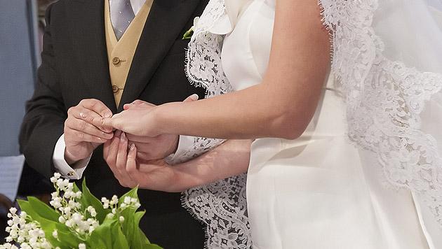 Keine Lust auf Ehe: Verlobter täuschte Tod vor (Bild: thinkstockphotos.de)