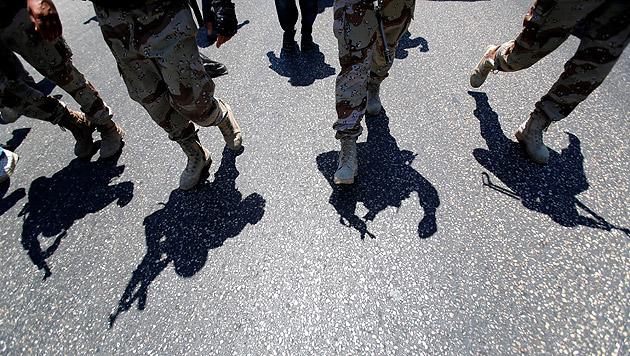 Möglicher IS-Komplize nach Österreich ausgeliefert (Bild: AP (Symbolbild))