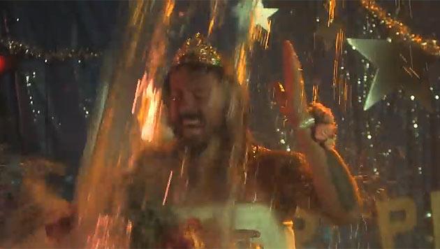 "Mit diesem Video gewinnen die Foo Fighters die ""Ice Bucket Challenge"". (Bild: youtube.com/Foo Fighters ALS IceBucket Challenge)"