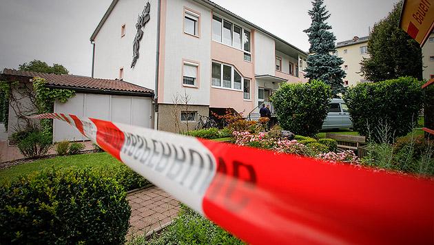 14-Jähriger fand erstochene Mutter in Wohnung (Bild: APA/ERWIN SCHERIAU)