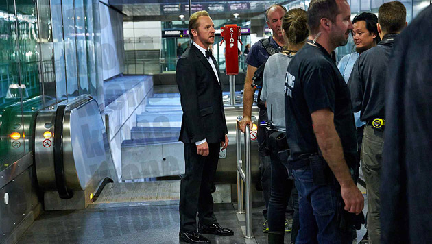 "Simon Pegg bei den ""Mission: Impossible 5""-Dreharbeiten in der Wiener U-Bahn (Bild: Alexander Tuma/Starpix)"