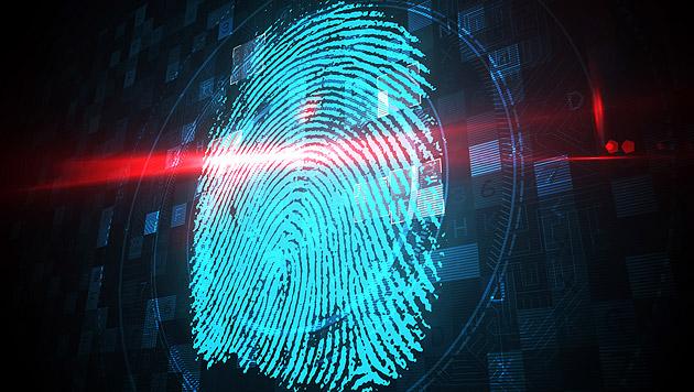 Polizei darf Entsperren per Fingerscan erzwingen (Bild: thinkstockphotos.de)
