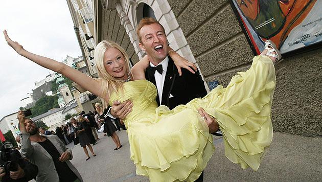 Prinz Max-Mario und  Ex-Freundin Kat Boe besuchten gemeinsam die Salzburger Festspiele. (Bild: APA/FRANZ NEUMAYR/MMV)