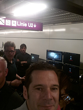 krone.at-Leserreporter Franz Hoefler erwischte Tom Cruise in der U-Bahn. (Bild: krone.at-Leserreporter Franz Hoefler)