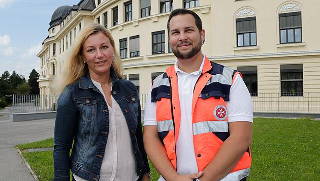 Glücklicherweise war ein Rettungswagen der Johanniter samt Notärztin rasch vor Ort. (Bild: Klemens Groh)