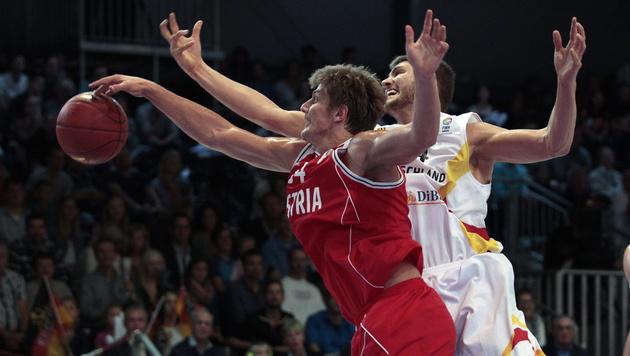 Basketball-Herren unterliegen Deutschland (Bild: APA/EPA/INA FASSBENDER)