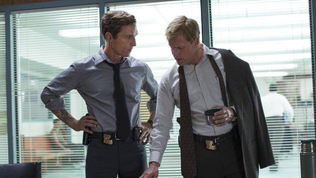 """Matthew McConaughey und Woody Harrelson in """"True Detective"""" (Bild: AP/Michele K. Short)"""
