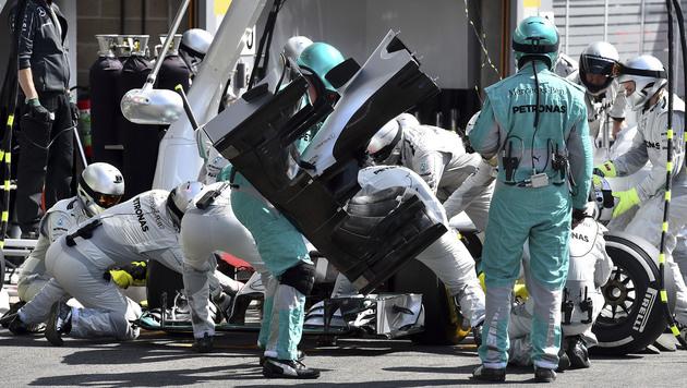 """""""Krieg außer Kontrolle"""" - Presse zerlegt Mercedes (Bild: AP)"""