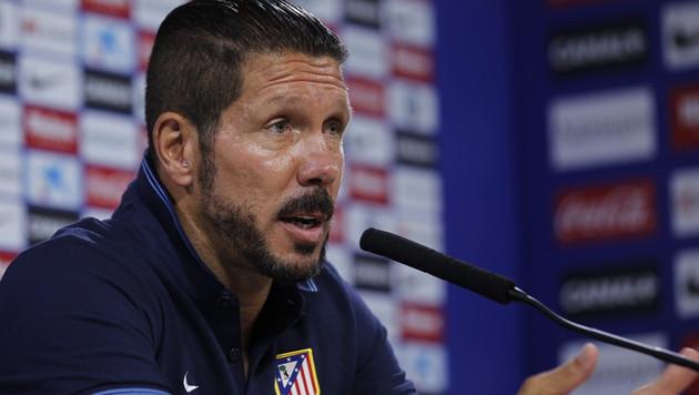 Atletico Madrid verkürzt Vertrag mit Coach Simeone (Bild: APA/EPA/SERGIO BARRENCHEA)