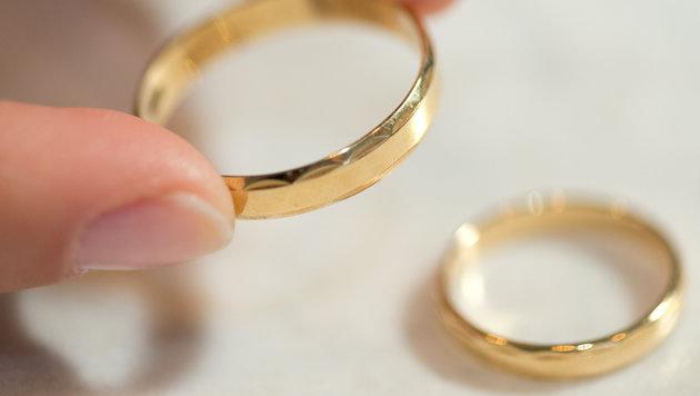 Deutliches Plus bei Ehen und Verpartnerungen (Bild: dpa/Friso Gentsch)