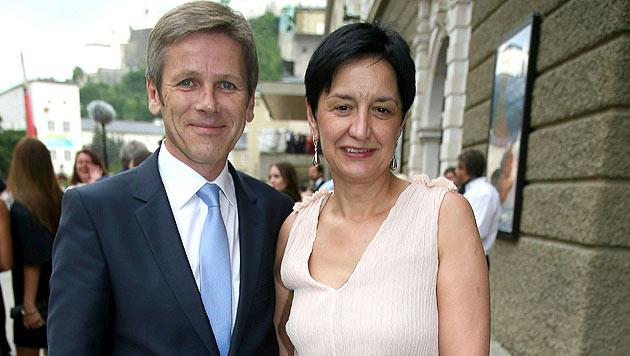 Österreicher in Venedig: BM Ostermayer mit Ehefrau Manuela. (Bild: APA/FRANZ NEUMAYR/MMV)
