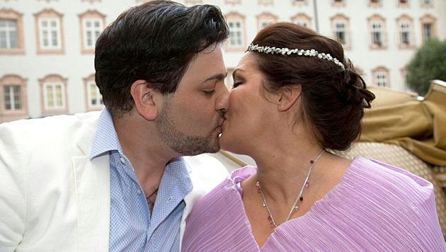 Noch keinen Hochzeitstermin haben Anna Netrebko und ihr Yusif Eyvazov fixiert. (Bild: APA/EPA/FRANZ NEUMAYR)
