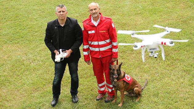 Rotes Kreuz testet Drohnen für Vermisstensuche (Bild: APA/RK NÖ/M. HECHENBERGER)
