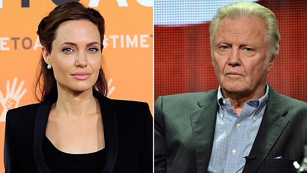 Das Verhältnis zwischen Angelina Jolie und Jon Voight gilt als angespannt. (Bild: APA/EPA/FACUNDO ARRIZABALAGA, Richard Shotwell/Invision/AP)