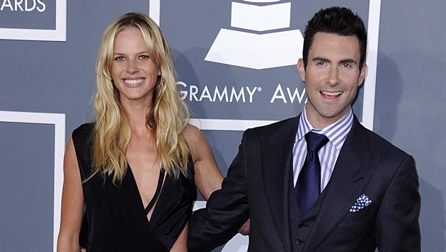 Maroon-5-Sänger Adam Levine kann seinen Typ Frau auch nicht abstreiten. Ex Anne Vyalitsyna ist ... (Bild: PAUL BUCK/EPA/picturedesk.com)