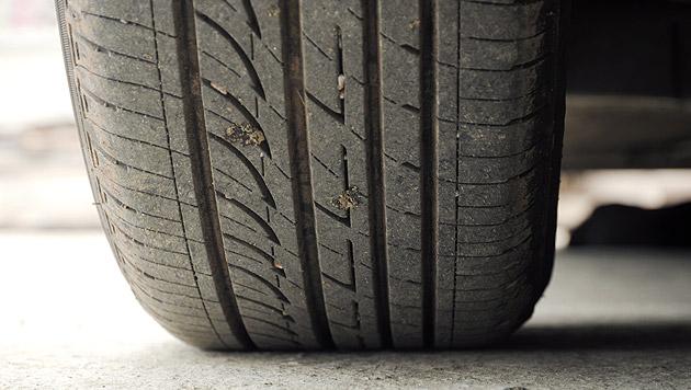 Diebe montierten die Reifen ab (Bild: thinkstockphotos.de (Symbolbild))