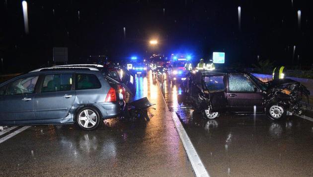 Sechs Menschen wurden verletzt. (Bild: Einsatzdoku.at)