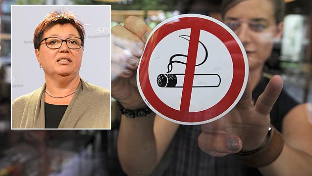 """""""Totales Rauchverbot noch vor der nächsten Wahl"""" (Bild: dpa/Armin Weigel, APA/HELMUT FOHRINGER)"""