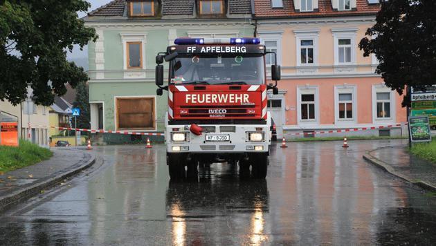 Die Feuerwehr stand im Dauereinsatz. (Bild: Thomas Zeiler)