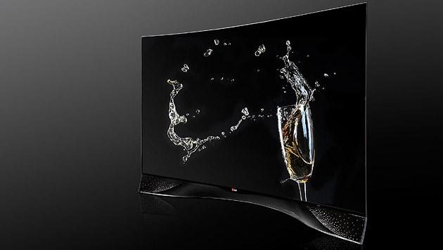 LG enthüllt krummen OLED-TV mit Kristall-Rahmen (Bild: LG)