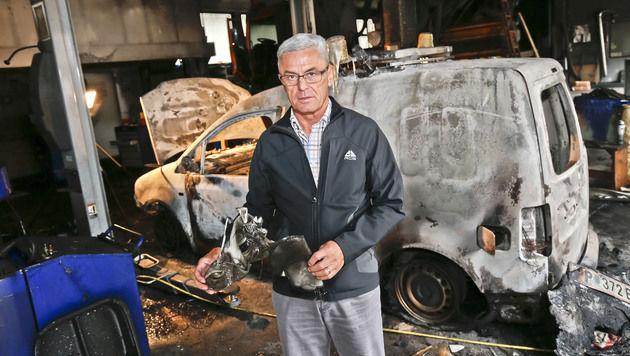 Alfred Evers, Chef der Autobahnmeisterei Golling, ist fassungslos über den enormen Schaden. (Bild: Markus Tschepp)