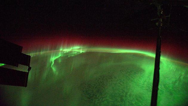 Polarlichter fungieren als Energieschlucker (Bild: Twitter/Alexander Gerst)