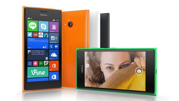 Optisch unterscheidet sich das Lumia 735 nicht vom 730, dafür unterstützt es den Datenturbo LTE. (Bild: Microsoft)