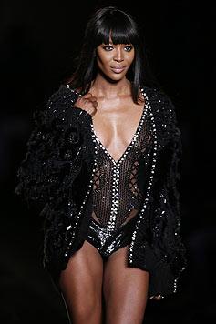 Claudia Schiffer findet, Naomi Campbell hat die beste Figur im Model-Business. (Bild: AFP/IAN LANGSDON)