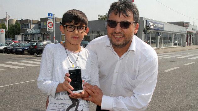 Özcan Y. mit seinem zwölfjährigen Sohn Kamil Y. (Bild: ANDI SCHIEL)