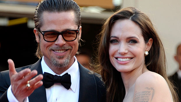 """Angelina und Brad Pitt verbrachten ihre Flitterwochen mit ihren Kinder auf der Jacht """"Athena"""". (Bild: EPA/Christophe Karaba)"""