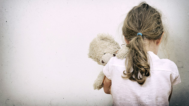 ÖO: Politiker soll Enkelin (9) missbraucht haben (Bild: thinkstockphotos.de (Symbolbild))