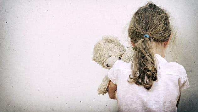 Tunesier wollte eigene Tochter entführen - gefasst (Bild: thinkstockphotos.de (Symbolbild))