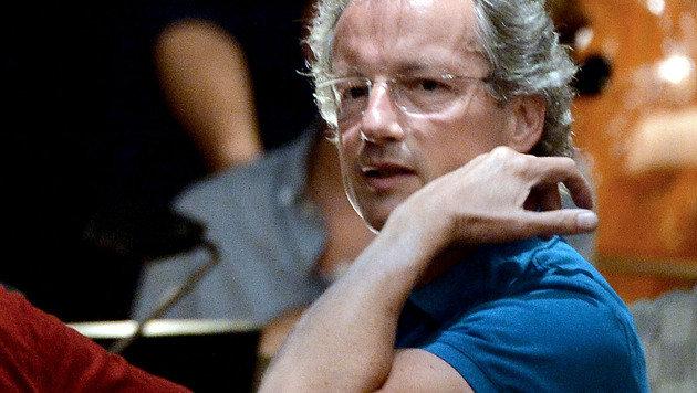 """Franz Welser-Möst während der Fotoprobe zu """"Der Rosenkavalier"""" im Großen Festspielhaus in Salzburg (Bild: APA/BARBARA GINDL)"""