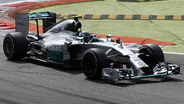 Hamilton gewinnt in Monza vor Rosberg (Bild: AP)