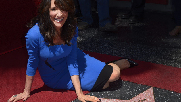"Katey Sagal bekam einen Stern am ""Walk of Fame"" (Bild: APA/EPA/PAUL BUCK)"