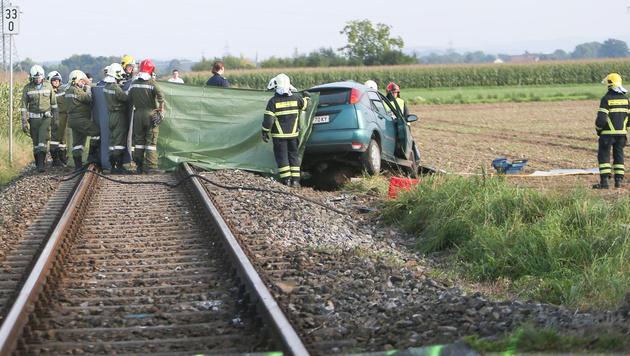 Zu dem Unfall kam es an einem unbeschrankten Bahnübergang. (Bild: Daniel Scharinger)