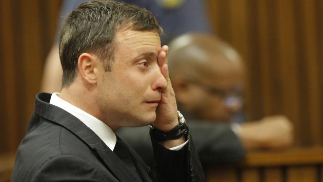 Emotional: Oscar Pistorius bei der Urteilsverkündung (Bild: AP)