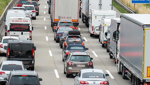 Nur Autobahn-Einhausung hilft (Bild: APA/Werner Kerschbaummayr (Symbolbild))