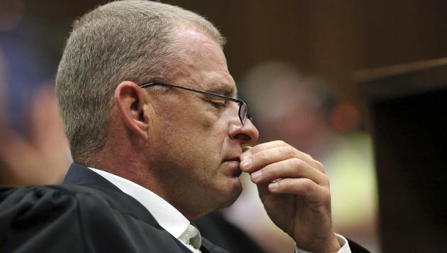 Staatsanwalt Gerrie Nel (Bild: AP)