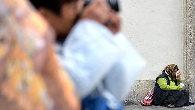Sbg: 2 Fälle von organisierter Bettelei aufgedeckt (Bild: APA/BARBARA GINDL (Symbolbild))