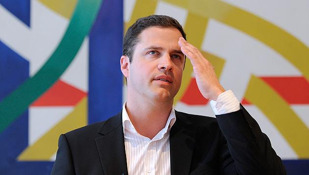 Wiens FPÖ-Klubchef Johann Gudenus im Kreuzfeuer der Kritik (Bild: APA/ROBERT JAEGER)